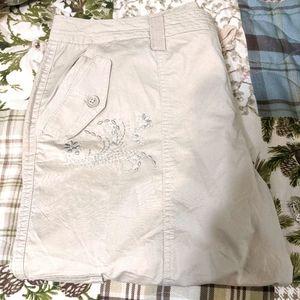 2/$10 Beige Capri pants